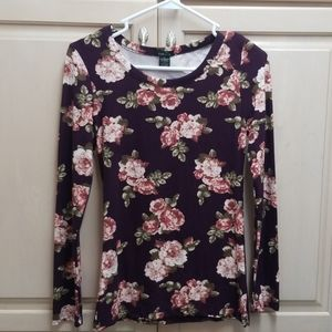 Rue 21 long sleeve stretchy floral tee